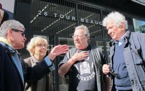 26, rue Linois (XVe), jeudi. Marie-Claude Beaudeau (2e à gauche), qui préside le comité de défense du quartier Beaugrenelle, a pris la défense des locataires de H15. (LP/E.S.)